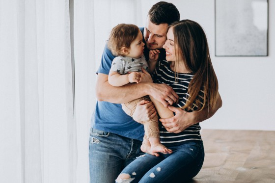 Ongehuwde partner van moeder krijgt automatisch gezag